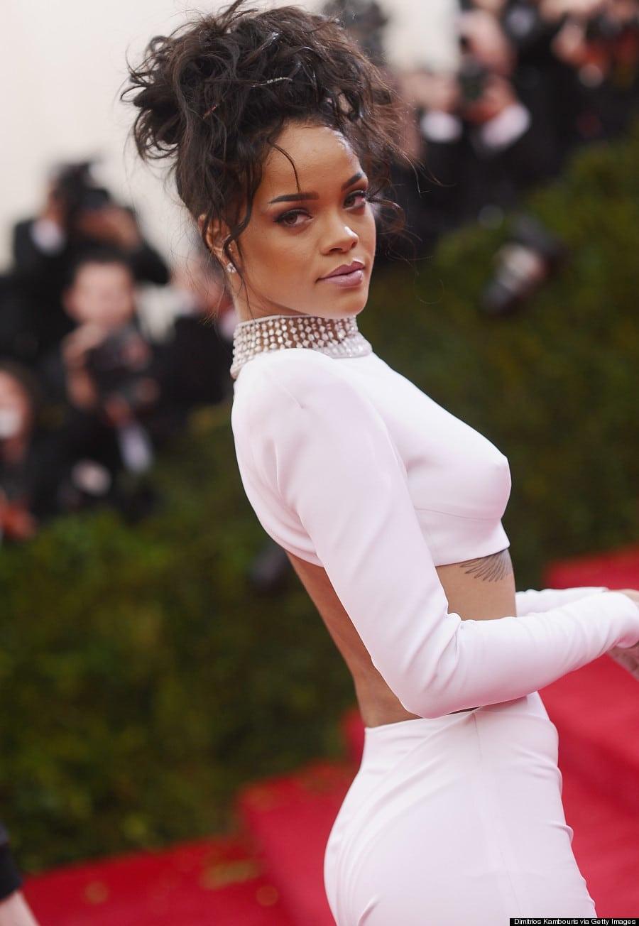 Rihanna Net Worth 2017... Rihanna Net Worth
