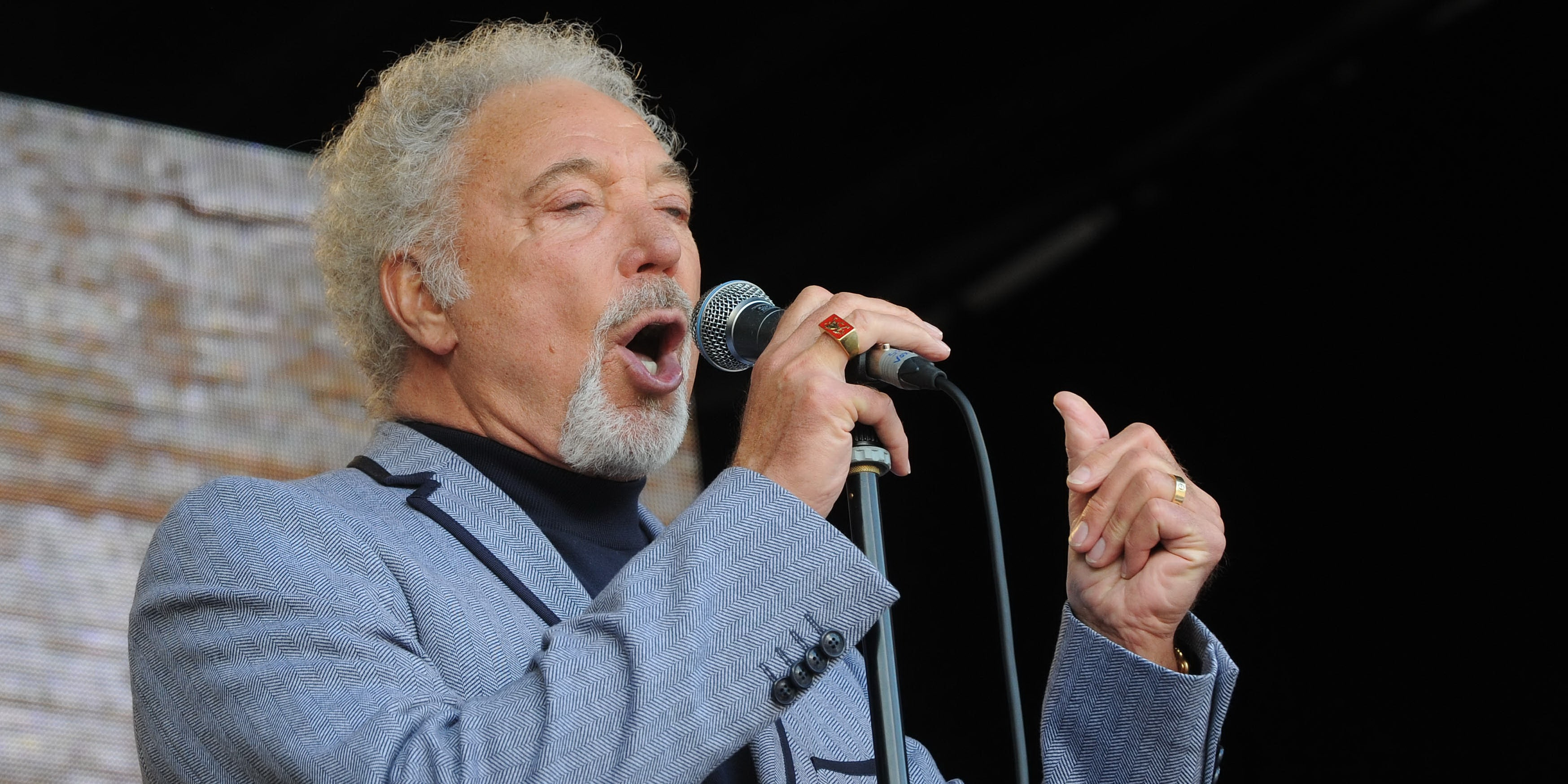 Tom Jones - Net Worth 2017, Bio, Wiki - Celebrity Net Worth