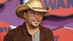 Musician Jason Aldean arrives at the 2014 CMT Music Awards in Nashville