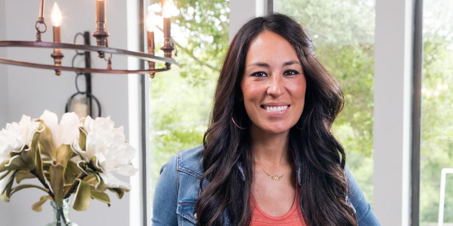 joanna gaines net worth 2017 update celebrity net. Black Bedroom Furniture Sets. Home Design Ideas