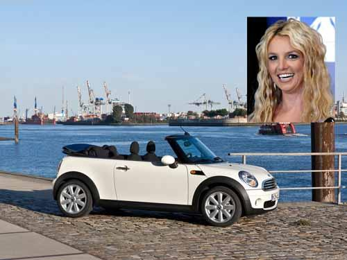 Britney Spears – Mini-Cooper convertible
