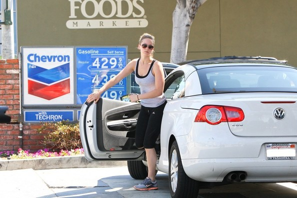 Jennifer Lawrence – Volkswagen Eos3