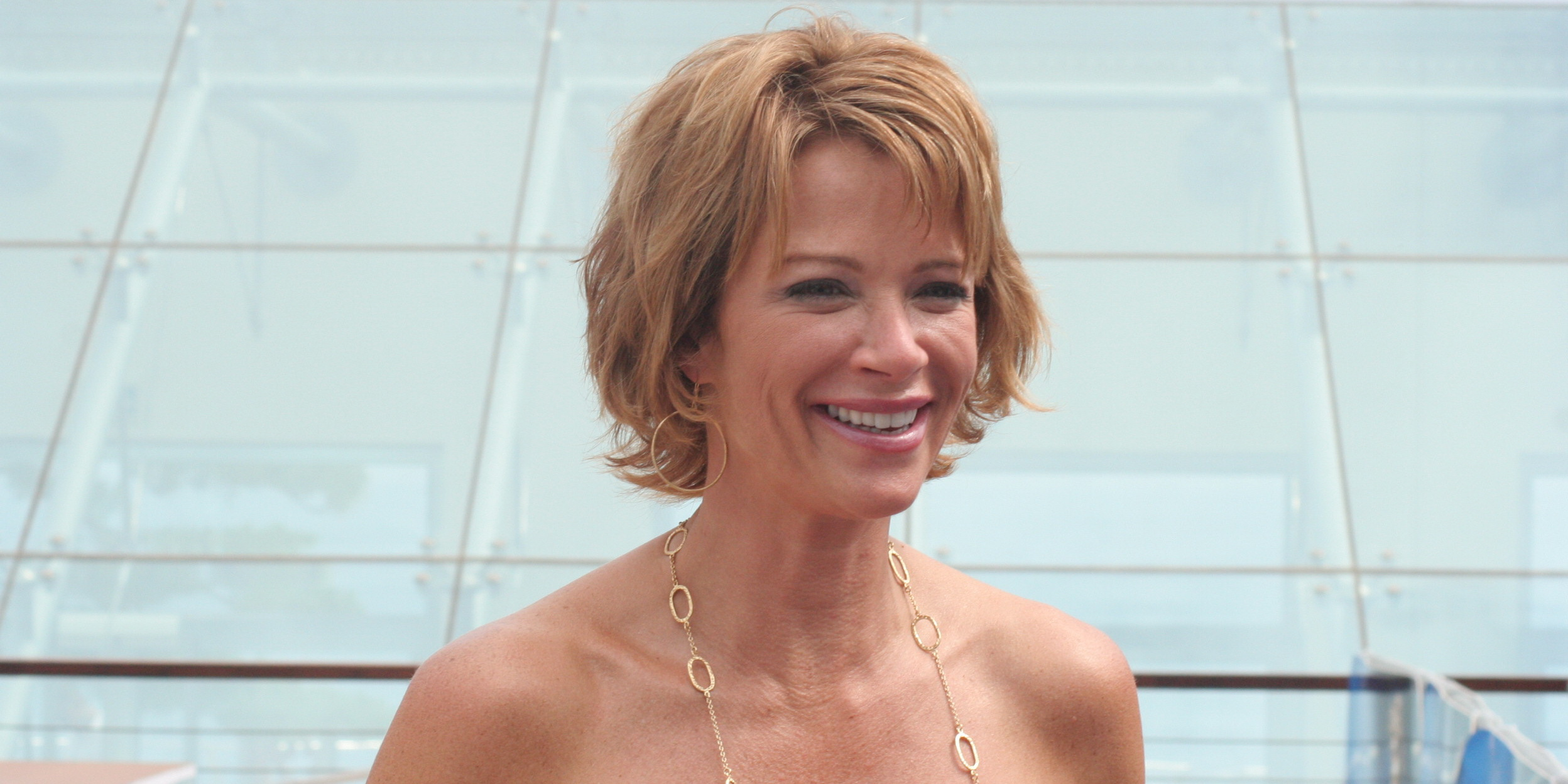 lauren holly movies - photo #1
