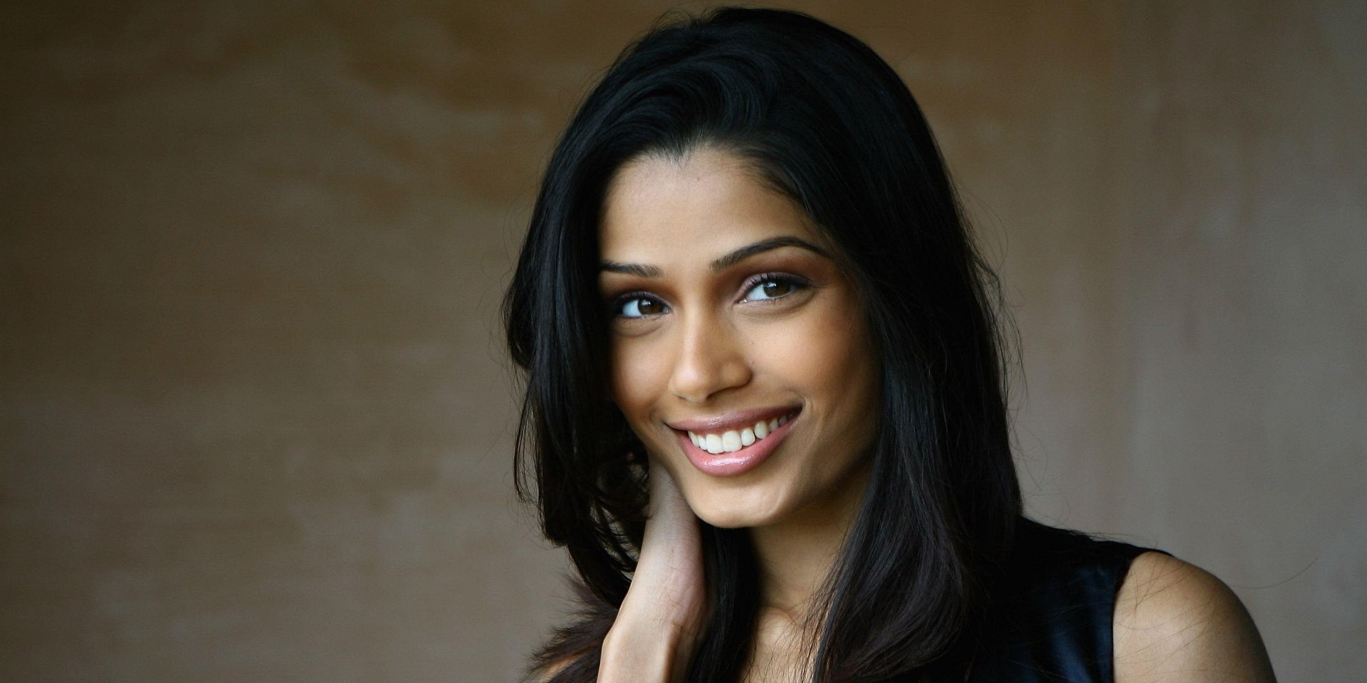 Freida Pinto Net Worth...