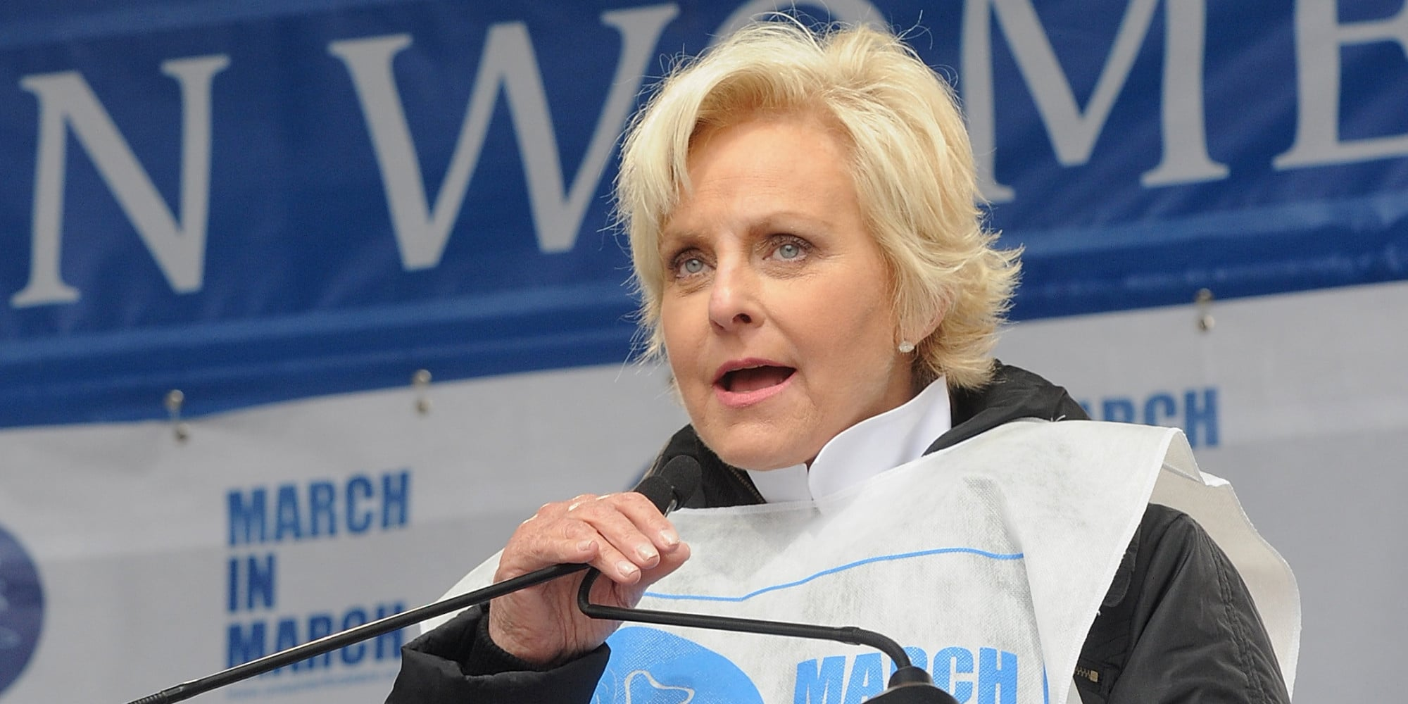 Cindy Lou Hensley McCain born May 20 1954 is an American businesswoman philanthropist and humanitarian and the wife of longtime United States Senator and 2008