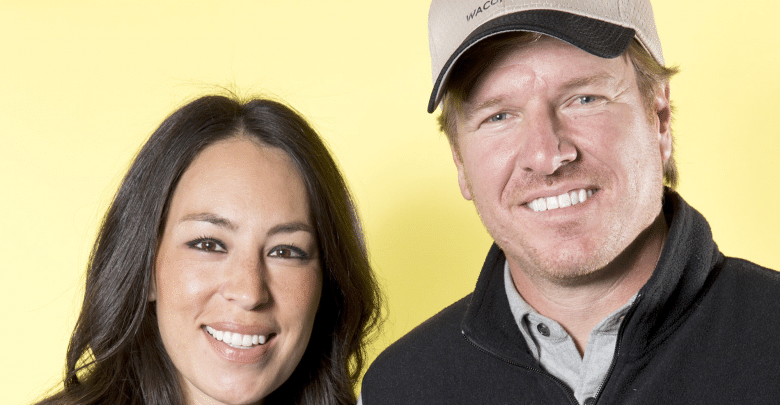 joanna gaines tv host net worth 2018 amazing facts you need to know. Black Bedroom Furniture Sets. Home Design Ideas