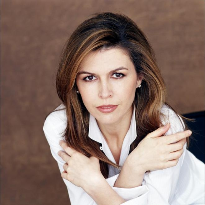 finola hughes net worth 2018 bio wiki celebrity net worth. Black Bedroom Furniture Sets. Home Design Ideas