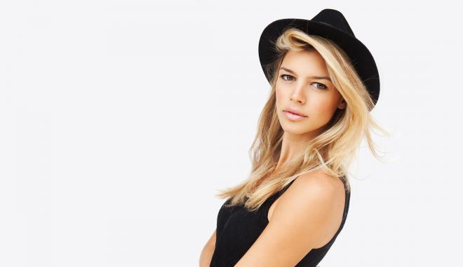 Kelly Rohrbach Net Worth