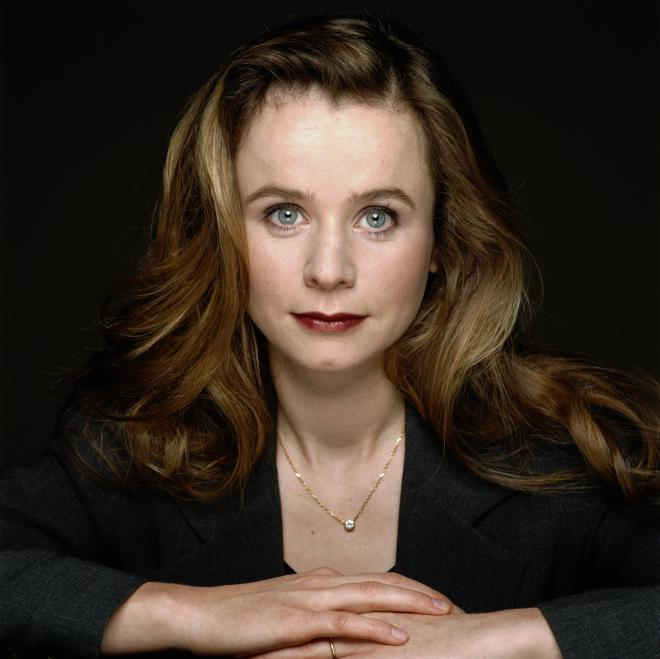 The 51-year old daughter of father Richard Watson and mother Katharine Watson, 171 cm tall Emily Watson in 2018 photo