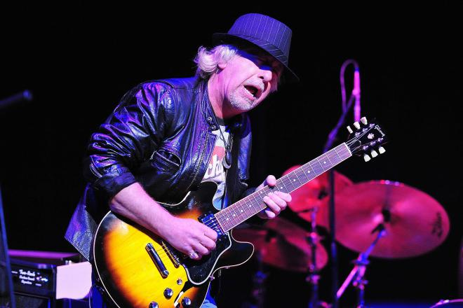 Brad Whitford Net Worth