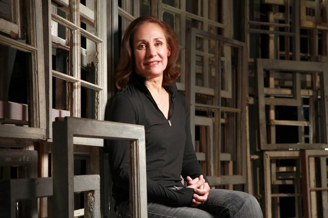 Laurie Metcalf celebrity net worth