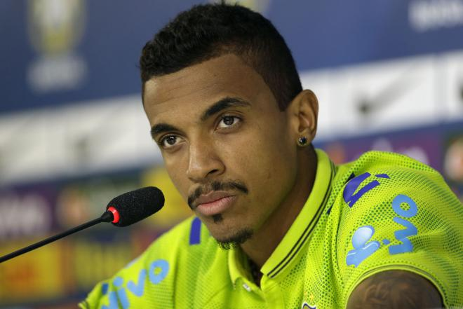 Luiz Gustavo Net Worth