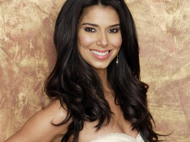Roselyn Sanchez Net Worth