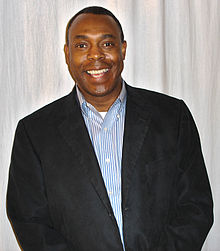 Michael Winslow 2008 (cropped and levels adjusted).jpg